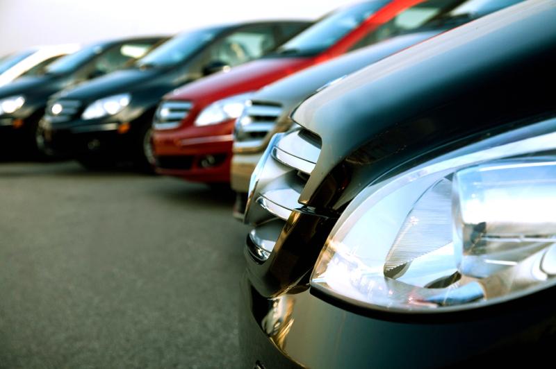 سيارات فخمة للايجار في دبي.